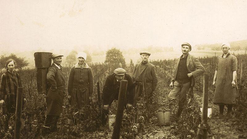 Bild Familie früher - Weingut Bretz - Rheinhessen