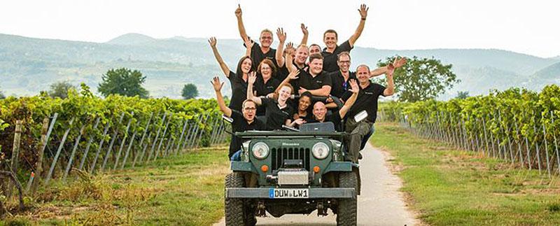 Bild Weingut Studier - Team im Weinberg